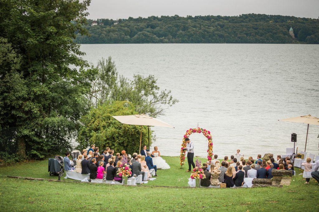 Freie Trauung am Tegernsee, Freie Trauungen mit Hochzeitsredner von Strauß & Fliege