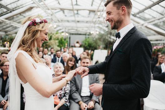 Freie Trauungen mit Hochzeitsredner von Strauß & Fliege