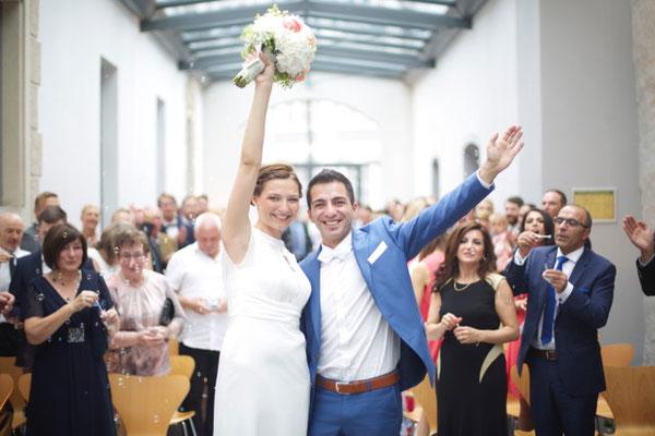 Strauß & Fliege Trauredner Johann-Jakob verheiratet glücke Paare in Ingoldstadt