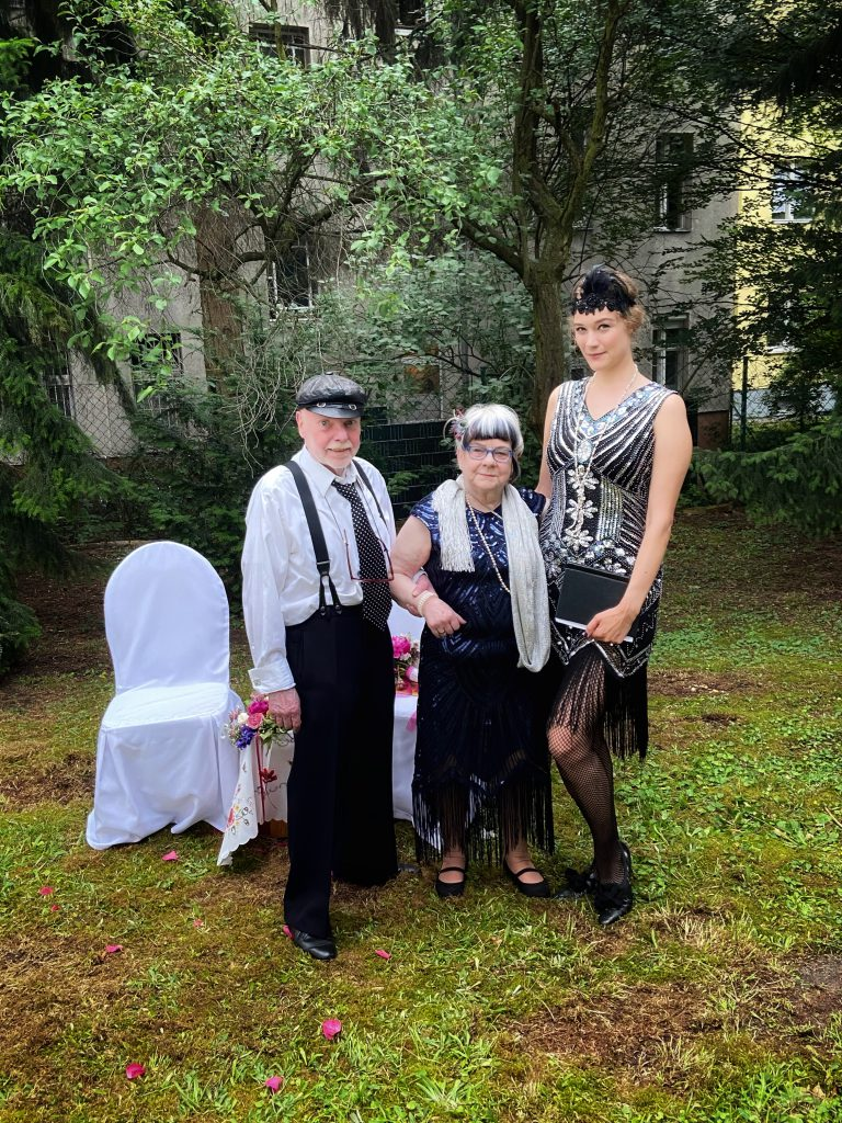 Wunderschöne Erneuerung des Eheversprechens mit Rednern von Strauß & Fliege