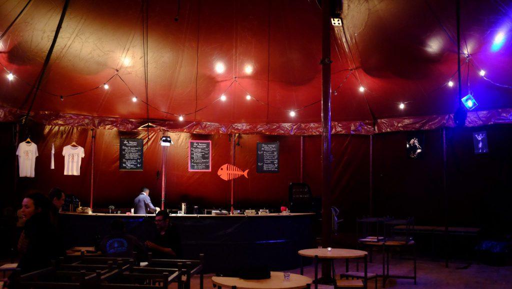 Heiraten im Zirkuszelt mit toller Atmosphäre und Beleuchtung