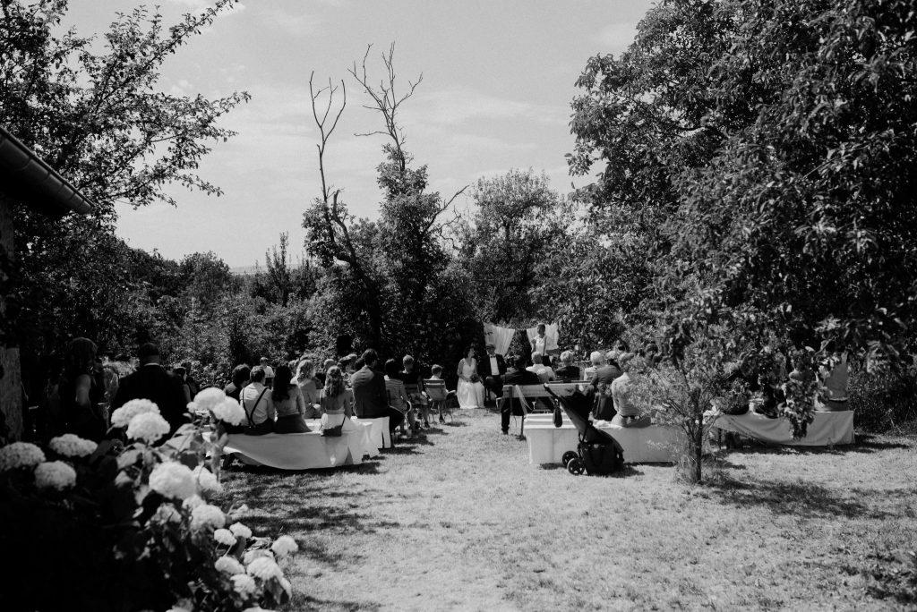 Freie Hochzeit im Park mit Traurednerin Carolin Wett