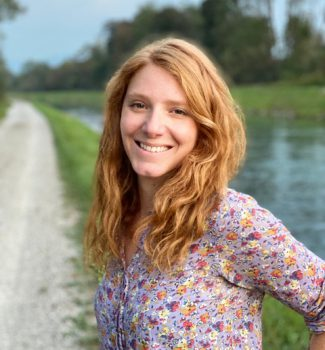 Rebekka Seaman ist eine der besten bilingualen Traurednerinnen in Berlin