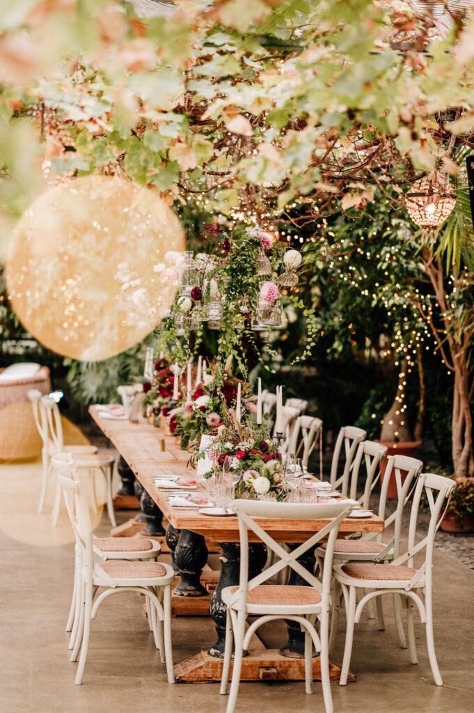 Hochzeit im Gewächshaus schafft besonderes Ambiente