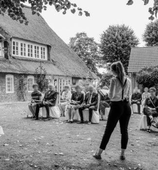 Traurednerin Berlin Linda Stelzner begeistert die Gäste   Strauß & Fliege