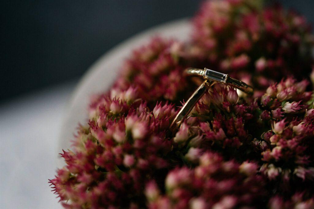 Trauringe Blumen | Freie Trauung | Strauß & Fliege