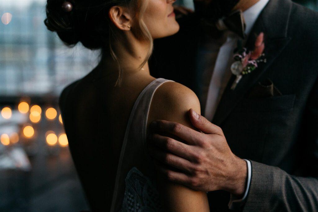 Freie Trauung | Brautpaar Wien | Strauß & Fliege