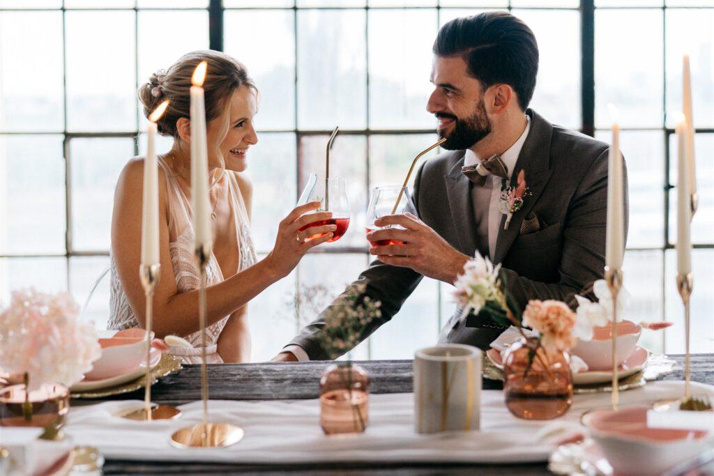 Hochzeitstisch Brautpaar | Freie Trauung | Strauß & Fliege