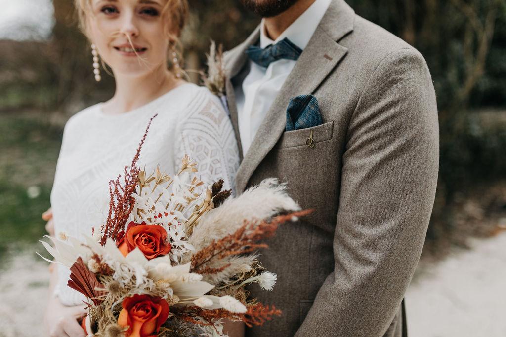 Hochzeit im Herbst   Brautstrauß   Strauß & Fliege